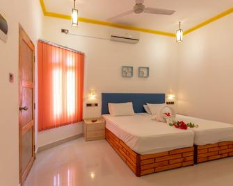 Dream Inn Sun Beach Hotel - Thulusdhoo - Bedroom
