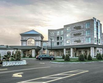 The Delavan Hotel & Spa - Bowmansville - Building