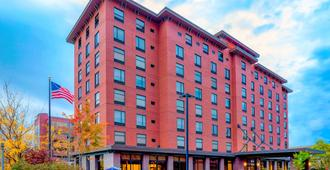 Hampton Inn & Suites Pittsburgh-Downtown - Pittsburgh - Building