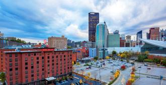 Hampton Inn & Suites Pittsburgh-Downtown - Pittsburgh - Vista externa