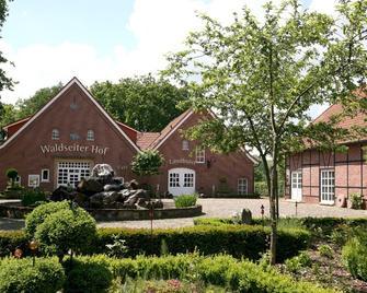 Landhotel Waldseiterhof - Bad Bentheim - Building