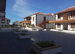 Poblado Marinero - Los Gigantes - Building