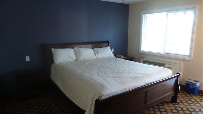 Surf City Inn & Suites - Santa Cruz - Bedroom