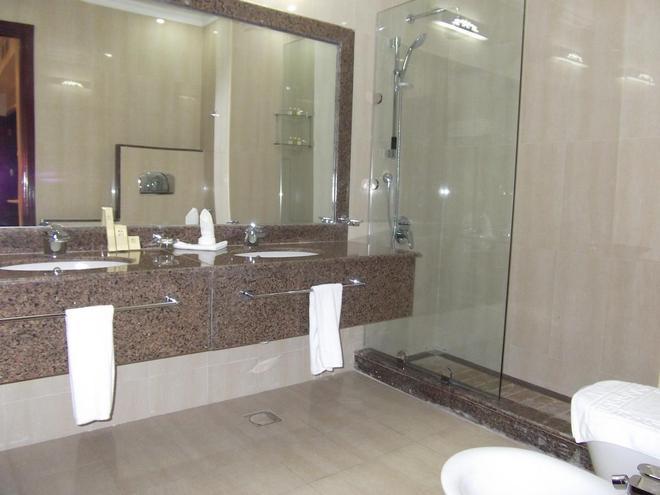 Rawdat Al Khail Hotel - Ντόχα - Μπάνιο