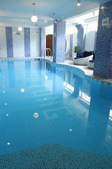 Thien Tung Hotel - TP. Hồ Chí Minh - Bể bơi