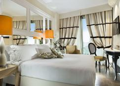 Erbavoglio Hotel - Римини - Спальня