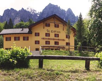 Garnì Sella Al Cipriani - Borgo Valsugana - Gebäude
