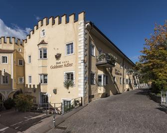 Hotel Goldener Adler - Bressanone - Edifício