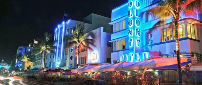 Colony Hotel - Miami Beach - Building