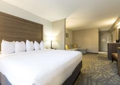阿什維爾 I-240 隧道公路江山套房酒店 - 阿士維爾 - 阿什維爾 - 臥室