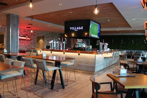 Village Hotel Leeds South - Leeds - Bar