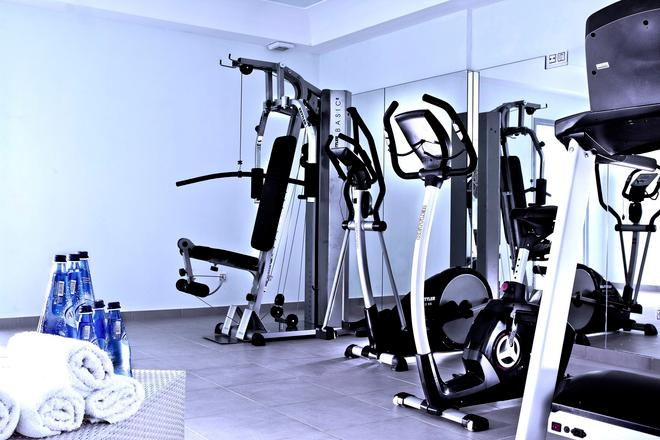 Astro Palace Hotel & Suites - Thera - Gym