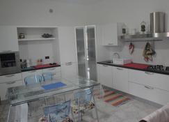 Ca' Vivaldi - Riomaggiore - Kitchen