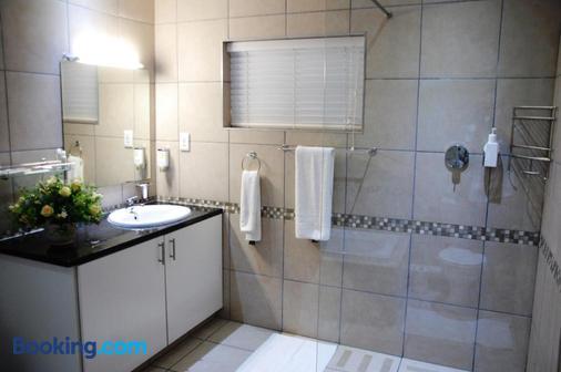 Rivonia Premier Lodge - Rivonia - Bathroom