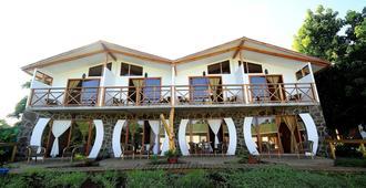 Hotel Y Cabañas Tea Nui - Ханга Роа - Здание
