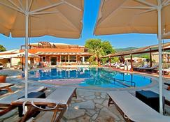 Riviera Perdika Hotel - Perdika - Pool