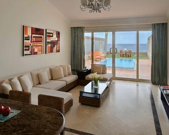 Mövenpick Resort Al Nawras Jeddah - Jeddah - Living room
