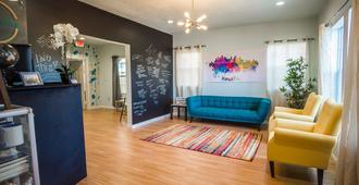 Wanderstay Houston Hostel - Houston - Sala de estar