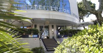 Hotel Luxor - Rimini - Building
