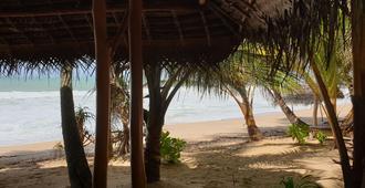 Sandy Sri Lanka - Tangalla