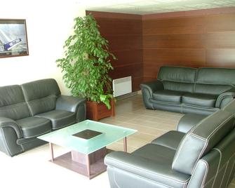 Appart'City Poissy - Poissy - Living room