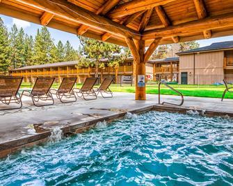 Best Western Ponderosa Lodge - Sisters - Pool
