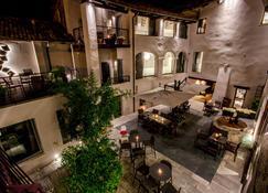 Uve Rooms & Wine Bar - La Morra - Restaurant