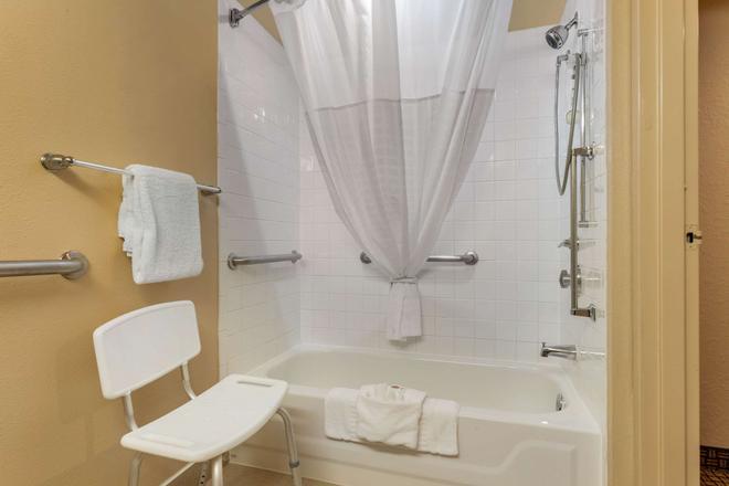 Comfort Inn Hwy. 290/NW - Houston - Bathroom