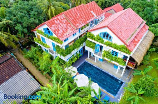 Life Beach Villa - Hoi An - Building
