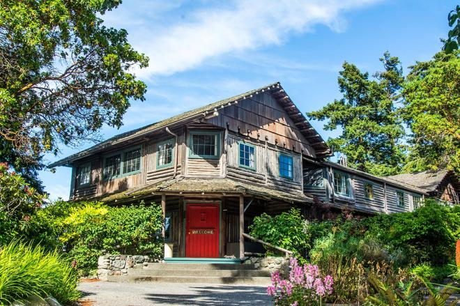 Captain Whidbey Inn - Coupeville - Building