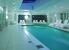 Wellton Centrum Hotel & Spa - Riga - Pileta