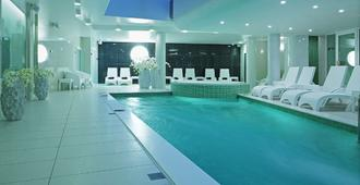 Wellton Centrum Hotel & Spa - Riga - Piscina