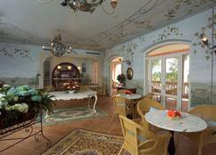 Villa Zuccari - מונטפלקו - בר