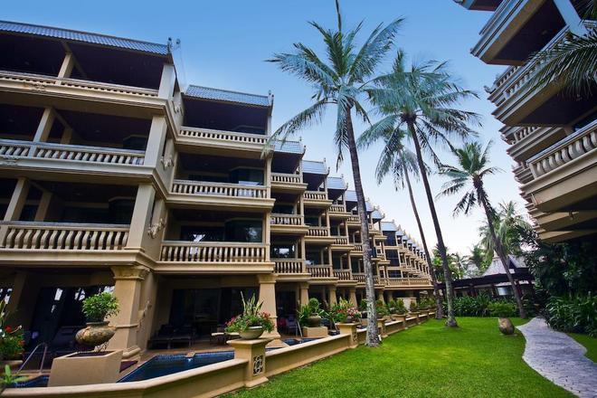 Beyond Resort Kata - Karon - Building
