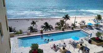 Private Residences at the Atlantic Resort and Spa - Fort Lauderdale - Pool