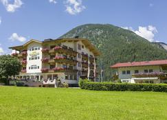 Hotel Liebes Caroline - Pertisau - Edificio