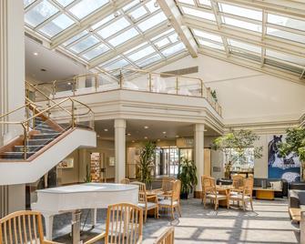 Metropole Swiss Quality Interlaken Hotel - Interlaken - Lobby