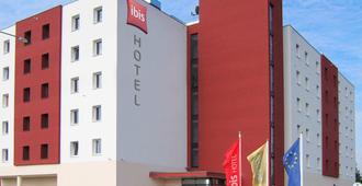 Ibis Plzen - Pilsen - Building