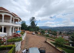 Step Town - Kigali - Vista del exterior