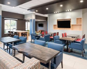 Holiday Inn Express & Suites Milton - Milton - Restaurant