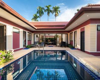 Boutique Resort Private Pool Villa - Pa Khlok - Bazén