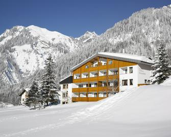 Hotel Sonnblick - Dalaas - Building