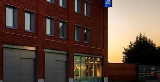 ibis budget Gent Centrum Dampoort - Ghent - Building