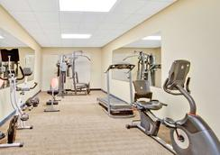 Days Inn & Suites by Wyndham Stockbridge South Atlanta - Stockbridge - Gym
