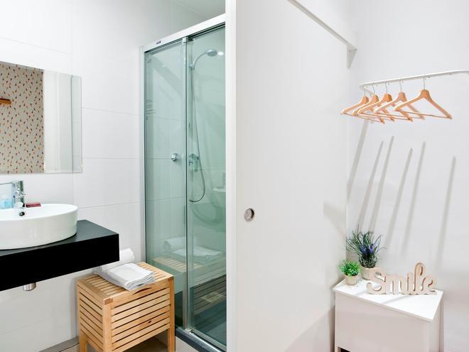 巴塞隆拿羅達曼青年旅館 - 巴塞隆拿 - 巴塞隆納 - 浴室