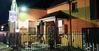 The Mews Motel - לאונססטון
