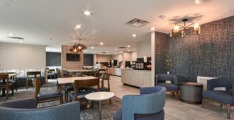 Fairfield Inn & Suites Charlotte Arrowood - שרלוט - מסעדה