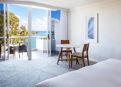 Sofitel Noosa Pacific Resort - Нуза Хедс - Bedroom