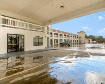 Motel 6 Canton, TX - Canton - Gebäude