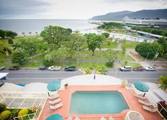 Breakfree Royal Harbour Cairns - Cairns - Pool